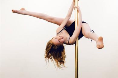 Eríal pole, pole fitness